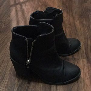 Black boots with side zippers